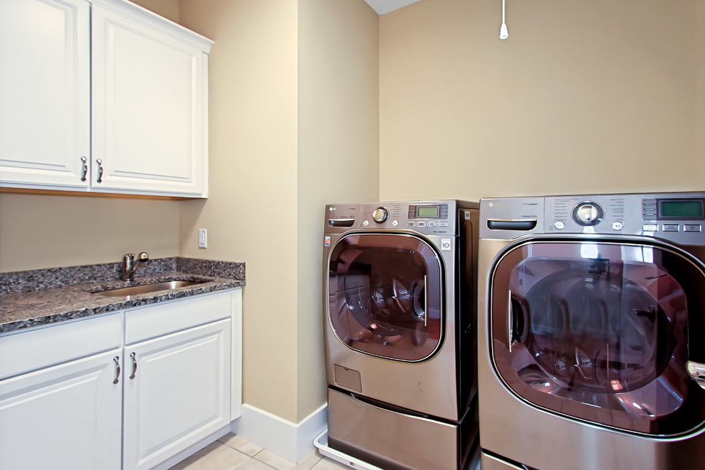 Elegant laundry room photo in DC Metro