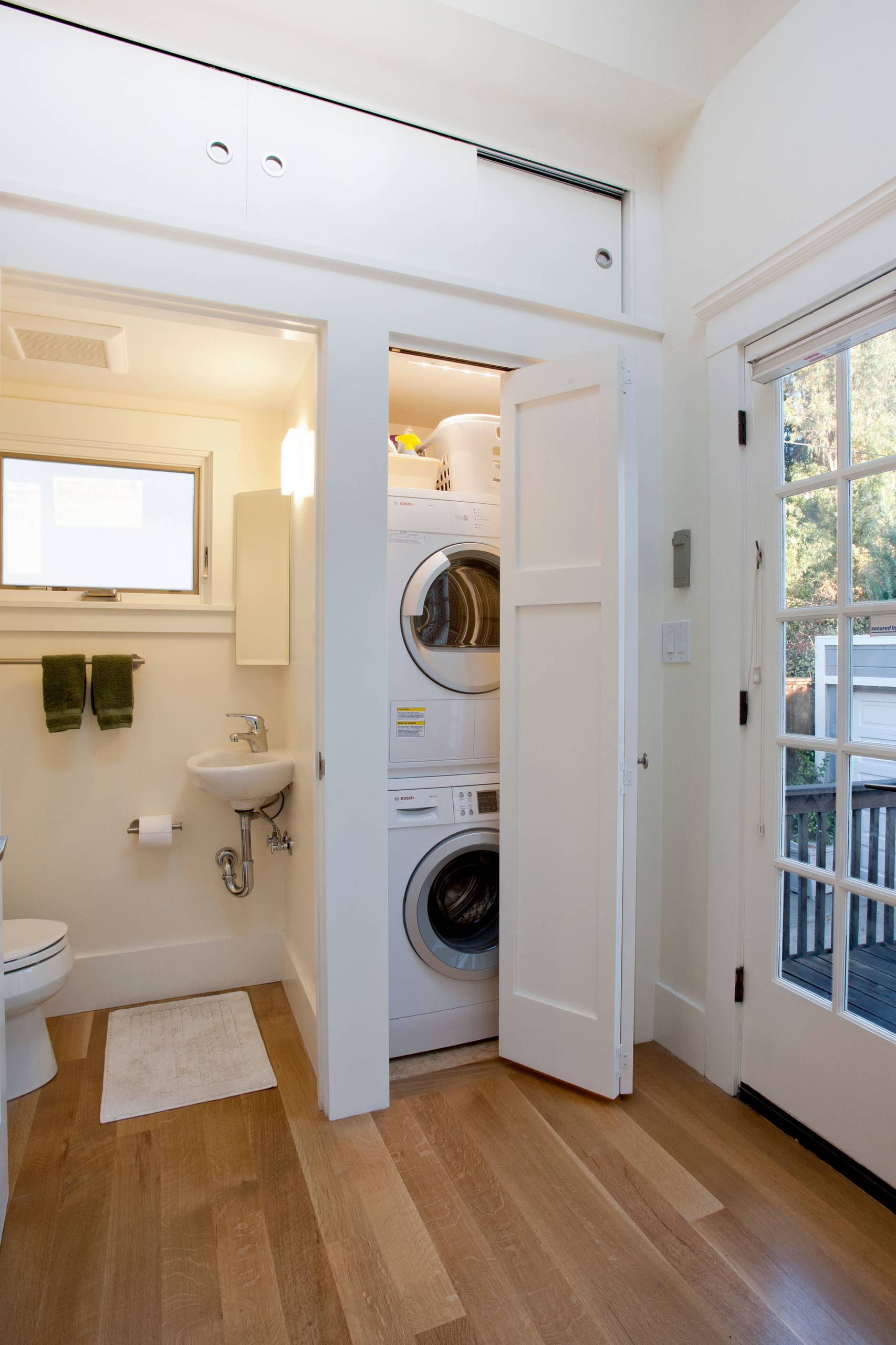 75 Beautiful Small Laundry Closet Pictures Ideas December 2020 Houzz