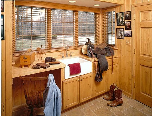 Rustic Mudroom Rustic Laundry Room Chicago By