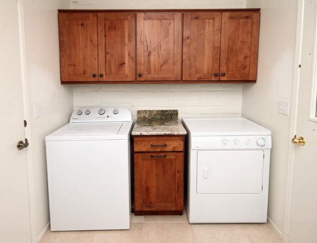 Santa fe style loundry room reface rustic laundry room for Santa fe style bathroom ideas
