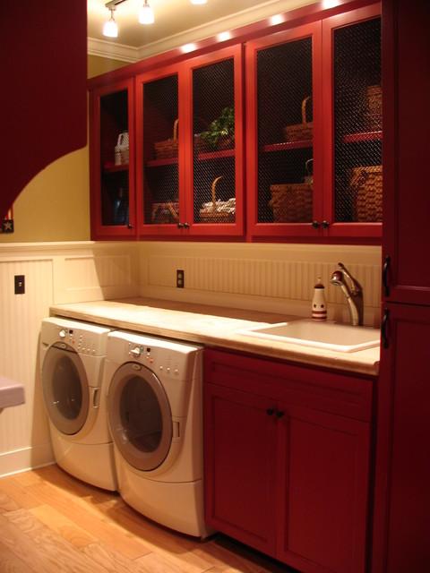 Savannah, GA with Guenzi-Vargas Studios traditional-laundry-room