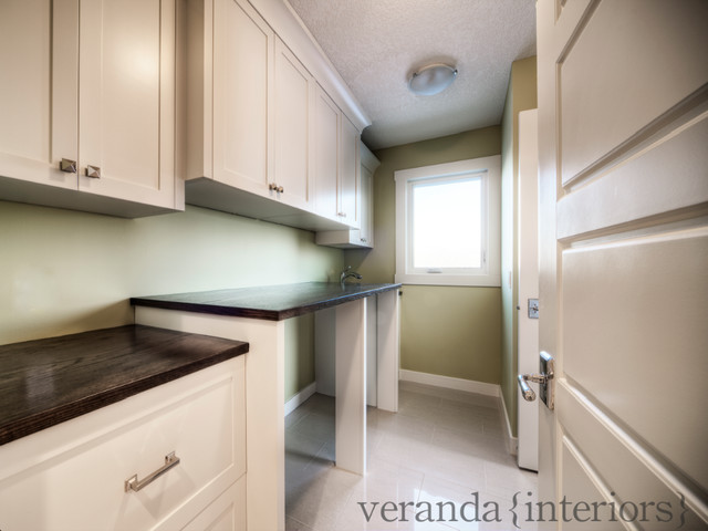 Spacious laundry room contemporary-laundry-room