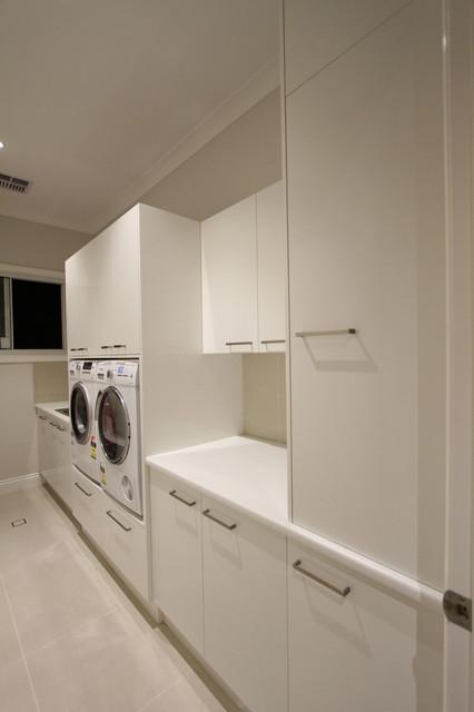 Taringa Laundry modern-laundry-room