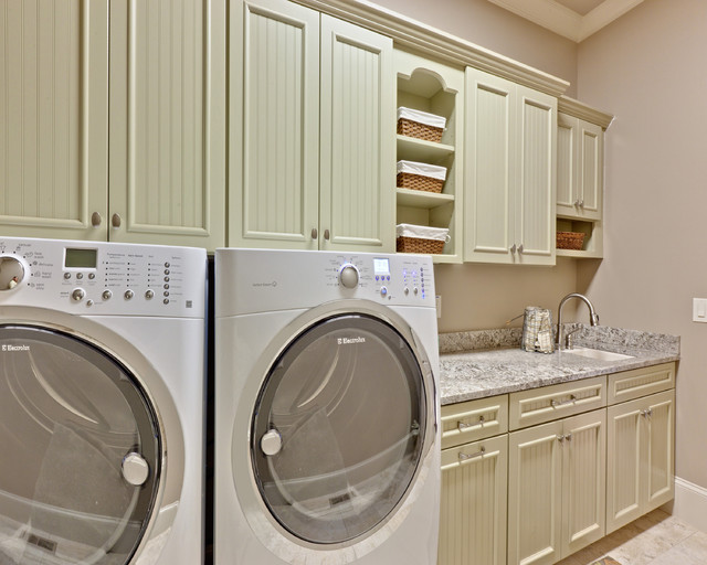 Teri Turan traditional laundry room