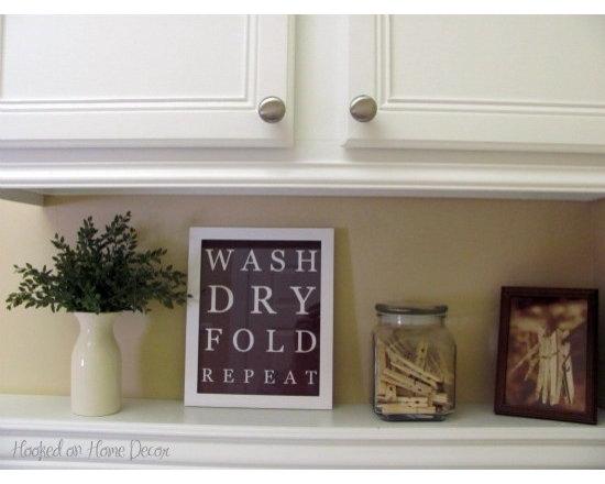 Laundry room decor design ideas pictures remodel and decor for Laundry room decor accessories