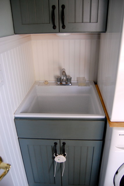 Kocheaver / Forest traditional-laundry-room