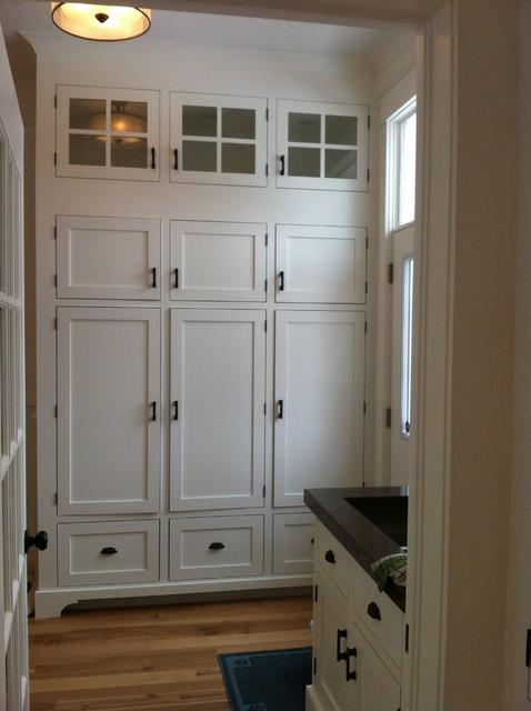 trim traditional-laundry-room