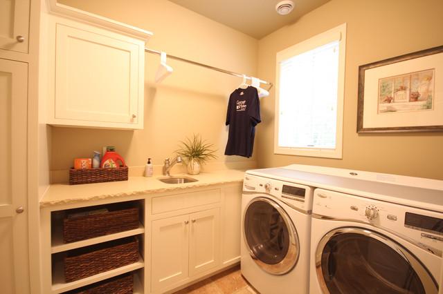 Waukeena beach-style-laundry-room