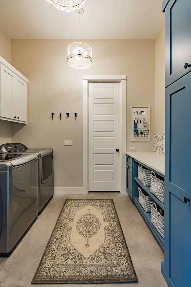 Farmhouse laundry room photo in Austin