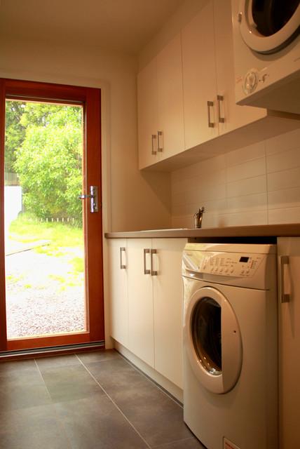 Wongarra Residence modern-laundry-room