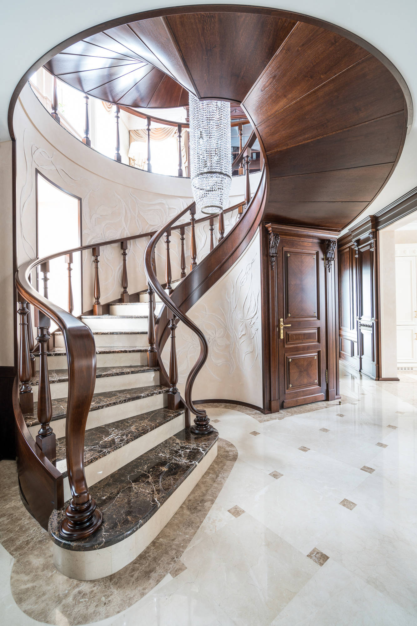 75 Beautiful Traditional Marble Staircase Pictures Ideas December 2020 Houzz