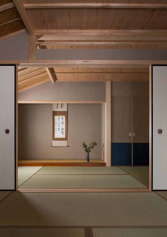 Ejemplo de salón de estilo zen con tatami