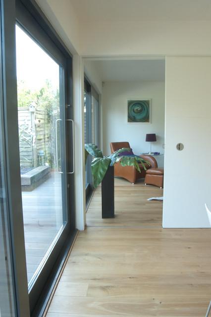 146SL contemporary-living-room