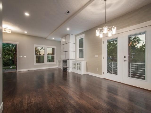 1619 Kensington Ave craftsman-living-room