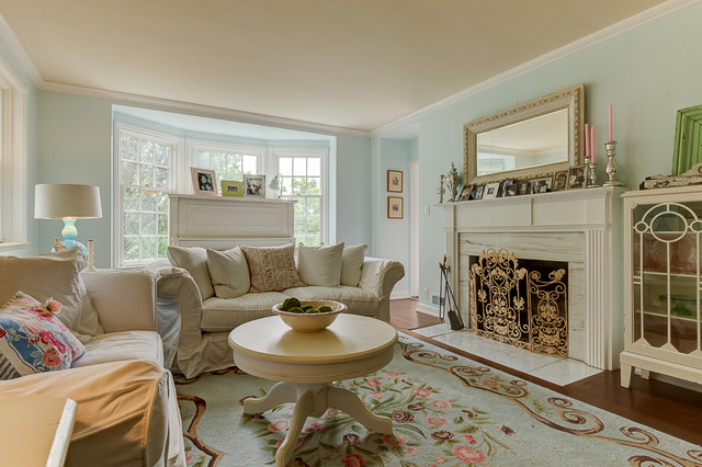 1940 S Farmhouse In The City Shabby Chic Style Living