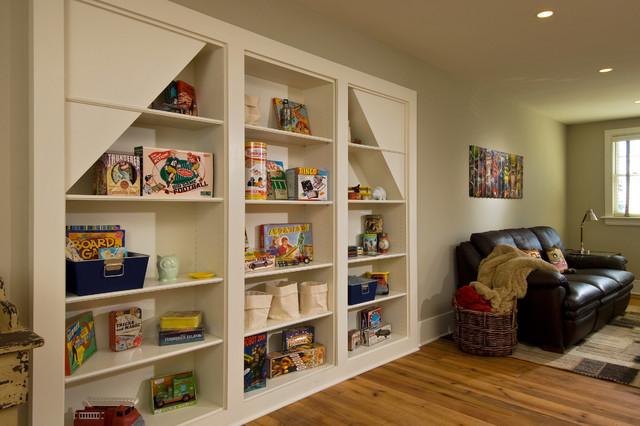 2017 Showcase Hillside Retreat Rustic Living Room