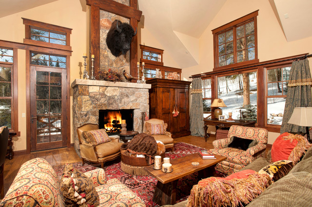 2069 Highlands Drive traditional-living-room