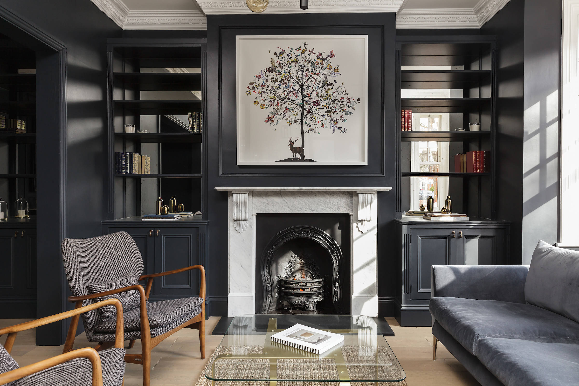 9 Gorgeous Living Rooms With Dark Walls, Dark Living Room Ideas
