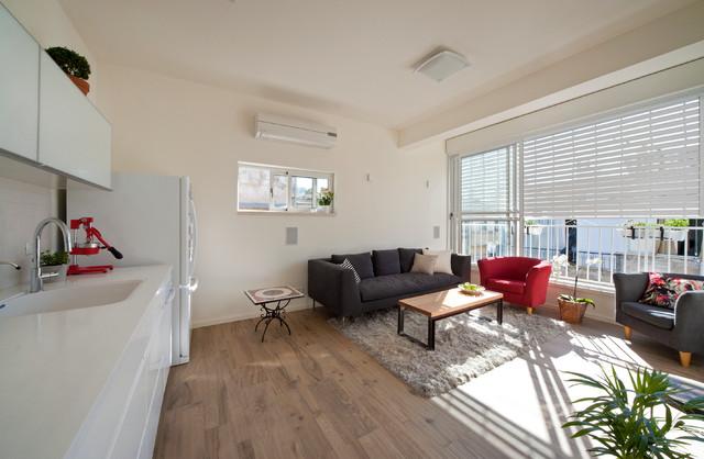37 Square Feet modern-living-room