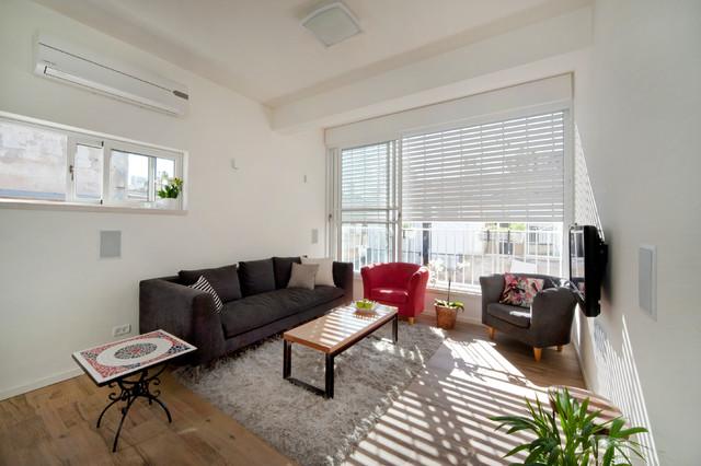 37 square feet traditional living room tel aviv by for Living room square feet