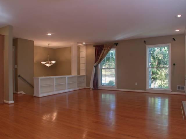 4067 Massie Avenue, St Matthews (ACTIVE) traditional-living-room