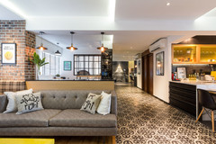 Houzz Tour: A Warm & Inviting Bachelor Pad