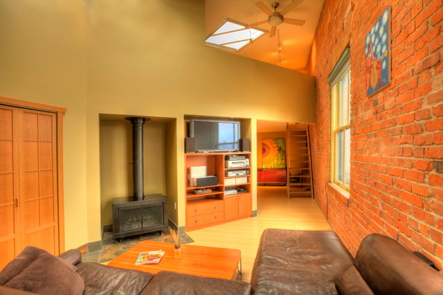 606 Post Ave Condo Listing - Pioneer Square - Seattle industrial-living-room