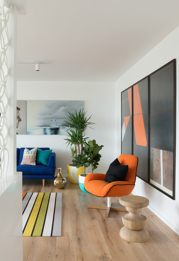 Inspiration for a contemporary living room remodel in Melbourne