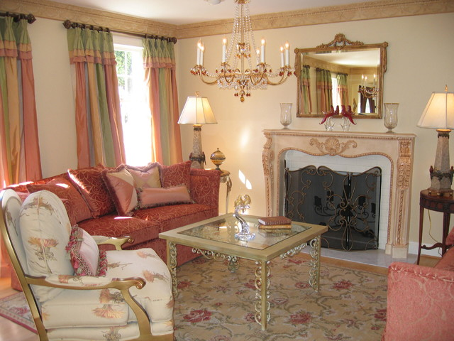 Come In And Sit A While What A New Orleans 39 Table Too Eclectic Living Room Other Metro