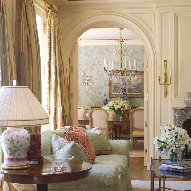 16 Stunning French Style Living Room Ideas: A French Country House