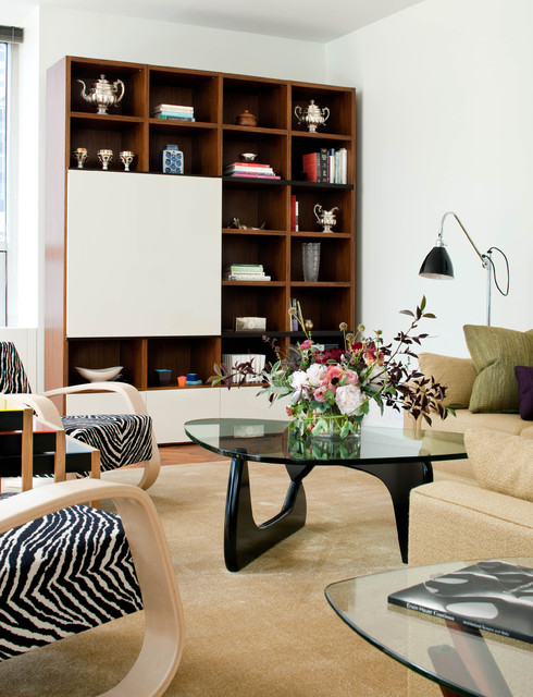 A mix of old and new to create a comfortable living area midcentury-living-room