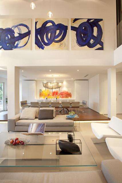 Minimalist living room photo in Miami