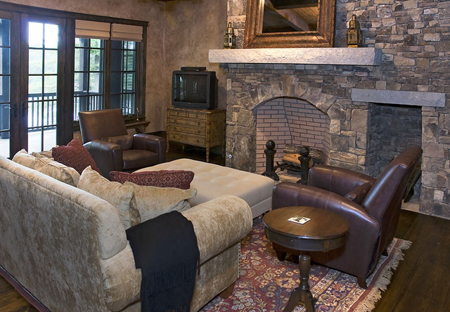 A Reserve Lakehouse Residence traditional-living-room