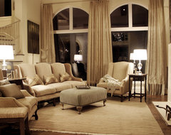 Airy traditional-living-room