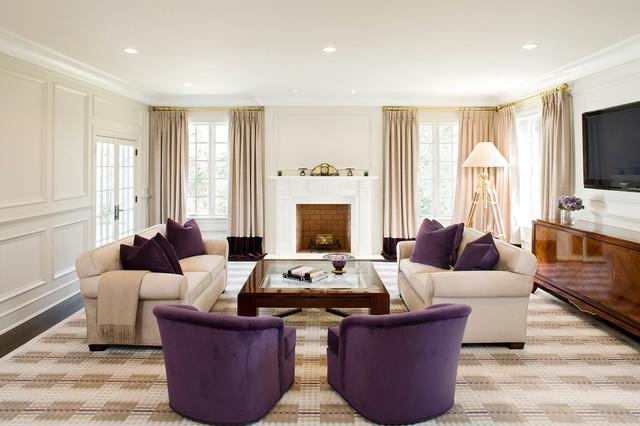 Foto di un soggiorno minimal con camino classico e TV a parete