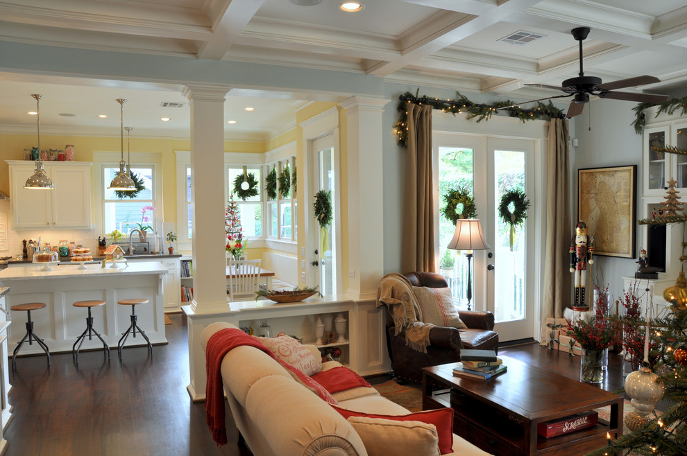 Living room - traditional living room idea in Houston