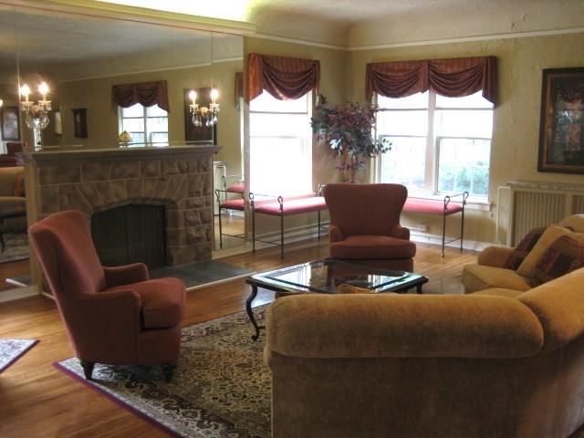 Alpha Chi Omega Sorority   University Of Nebraska Lincoln Traditional Living  Room