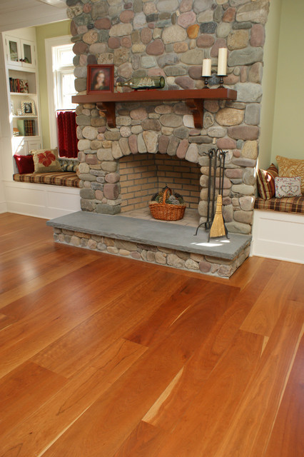 Living Room with Cherry Wood Floors 426 x 640