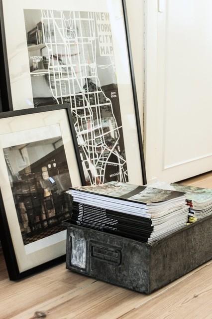 Living room - contemporary living room idea in Amsterdam
