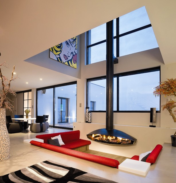 Contemporary Living Room by Diligence International