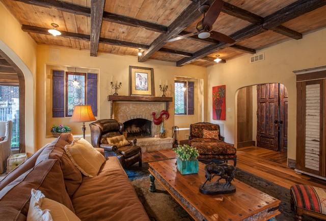 Antique barnboard oak flooring traditional living room - Salon rustique moderne ...