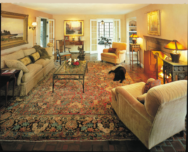 Antique Sarouk Rugs Makes A Room Elegant And Cozy