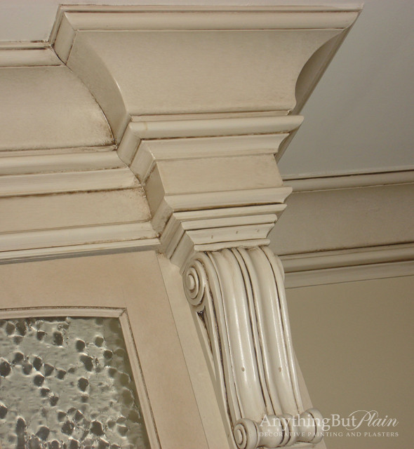 Glazed Architectural Molding : Antiqued glazed molding detail living room houston
