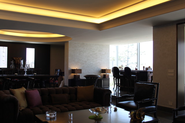 Apartment at Clemeanceau, Beirut. contemporary-living-room