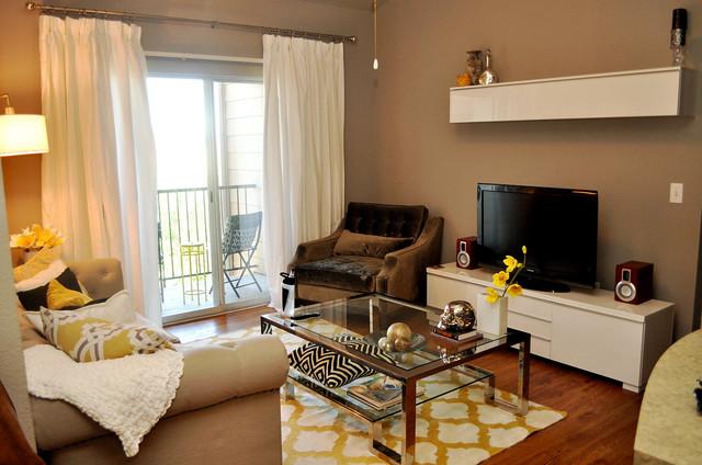 Living Room Contemporary Idea In Austin