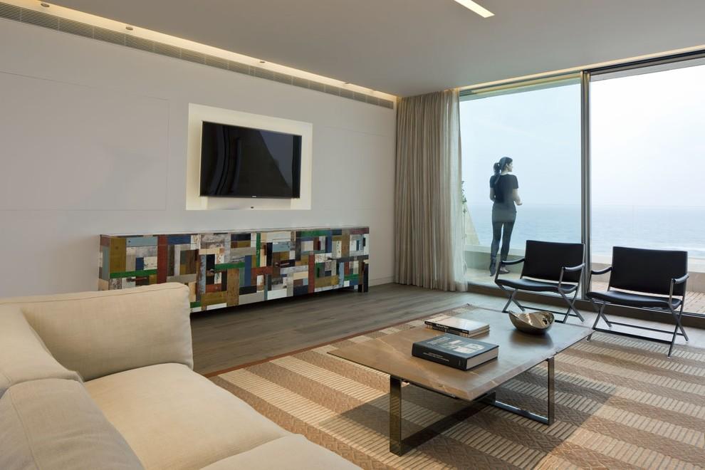 Minimalist living room photo in Tel Aviv