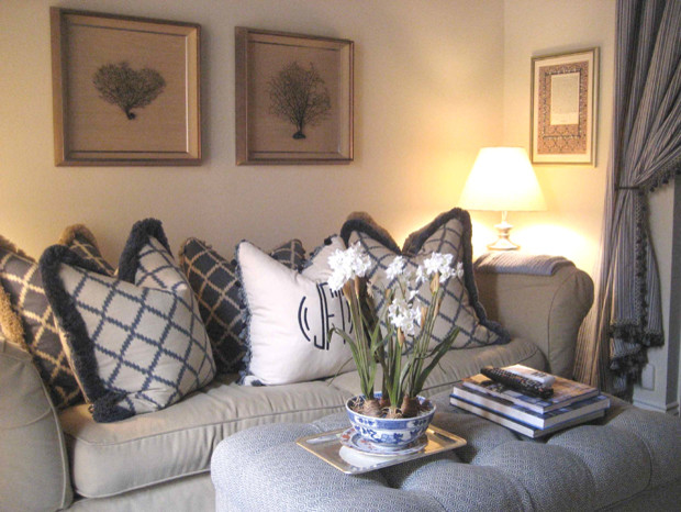"""As seen in """"O AT HOME"""" Magazine traditional-living-room"""