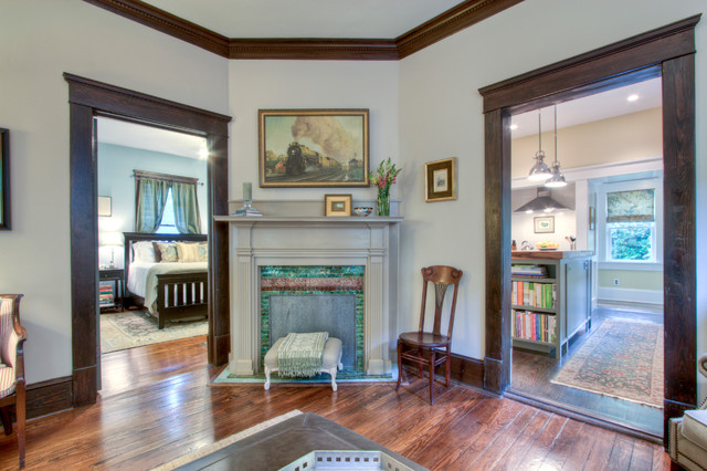 Superbe Arts And Crafts Living Room Photo In Atlanta