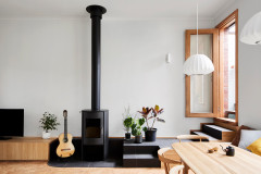 Houzz Tour: A Finely Tuned Apartment Above a Violin Shop