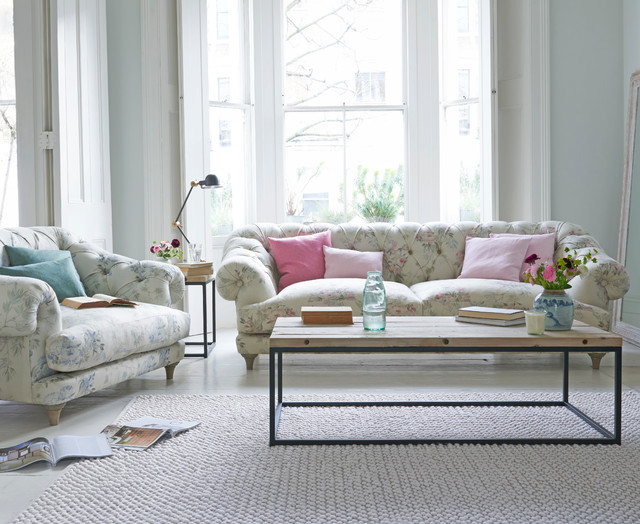 Charmant Bagsie Sofa In Vintage Rose Linen Country Living Room